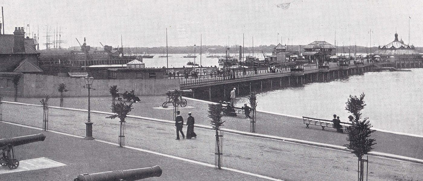 Town Quay Road, Southampton. Promenaders enjoy a walk to the pier